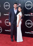 Olivia Munn Thanks Fans For Supporting Aaron Rodgers In Defeat