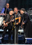 Bruce Springsteen Plays For Over Four Hours In Philadelphia