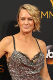 Robin Wright Reveals She Was Not Paid The Same As Her Male Co Star For House Of Cards