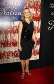 Kim Dickens Discusses Shock 'Fear The Walking Dead' Season 3 Premiere Death
