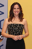"""Jennifer Garner Is Dealing With Ben Affleck's New Romance By Being In """"Mama Bear"""" Mode"""