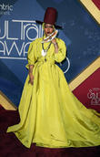 Erykah Badu: '2016 Soul Train Music Awards Is Giant '90s Flashback'