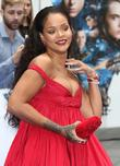 Fans Accuse Rihanna Of Photoshopping Instagram Carnival Image