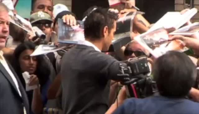 Colin Farrell Meets Fans Before Letterman Taping