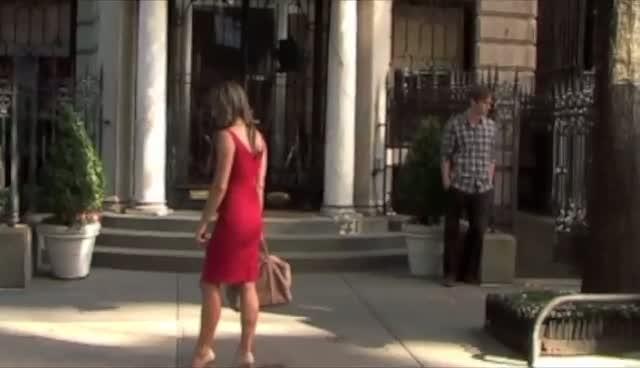 Elizabeth Hurley on the set of Gossip Girl - Part 4