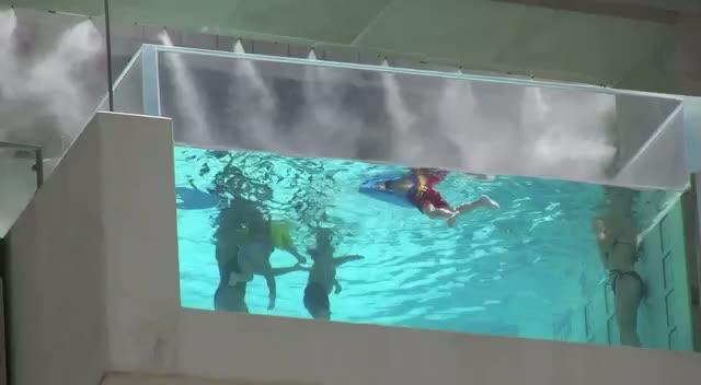 Lynne Spears Swimming With Grandchildren