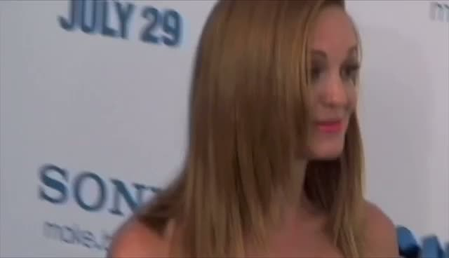 Jayma Mays Steals The Show At 'Smurfs' Premiere