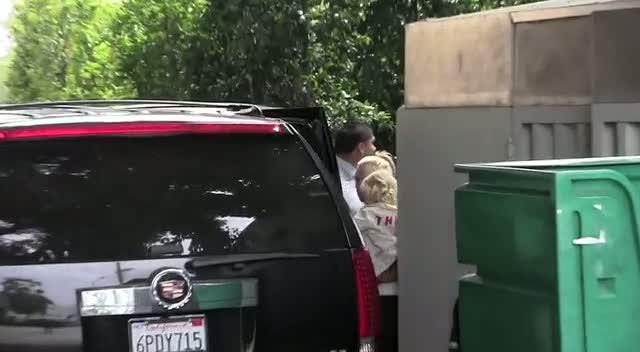 Gavin Rossdale, Gwen Stefani and Zuma Rossdale leaving Cecconis restaurant