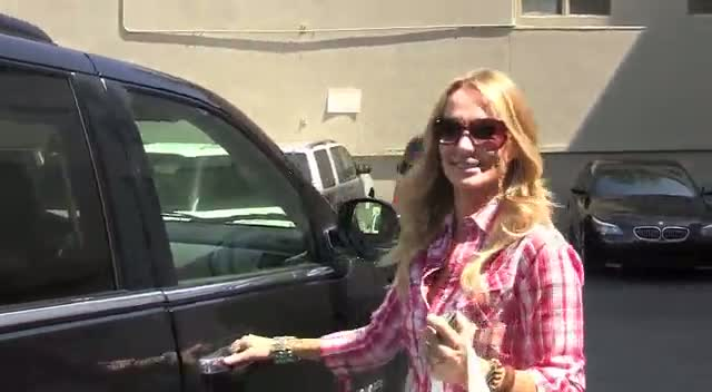 Taylor Armstrong seen leaving Obagi spa