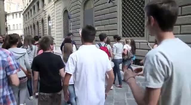 The cast of Jersey Shore are followed by crowds of Italian fans as they try to film in Florence