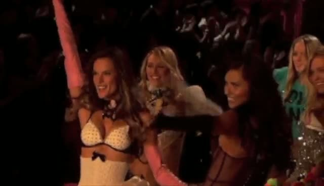 Nicki Minaj And Kanye West Join Models For Finale - Victoria's Secret Fashion Show 2011 Part 3