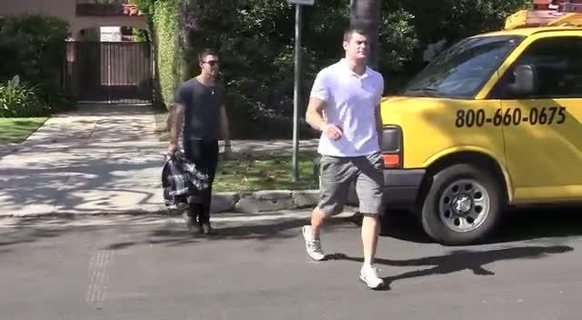 Joe Jonas Leaves Quiet Cafe In Los Angeles