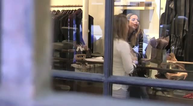A Pregnant Hilary Duff Shopping For Maternity Clothes At Curve On Robertson Boulevard