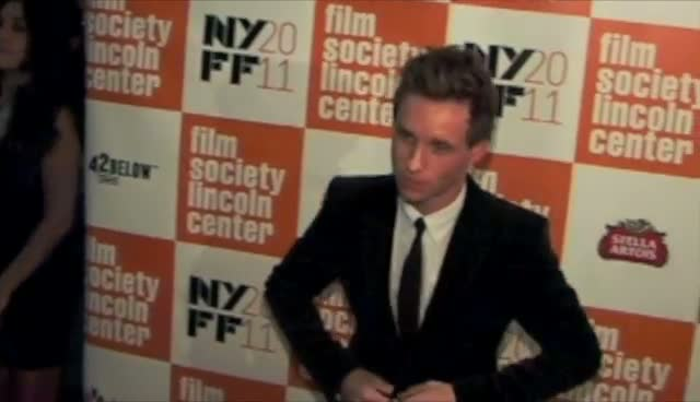 Eddie Redmayne And Michelle Williams Have Fun On The Red Carpet - My Week With Marilyn Arrivals