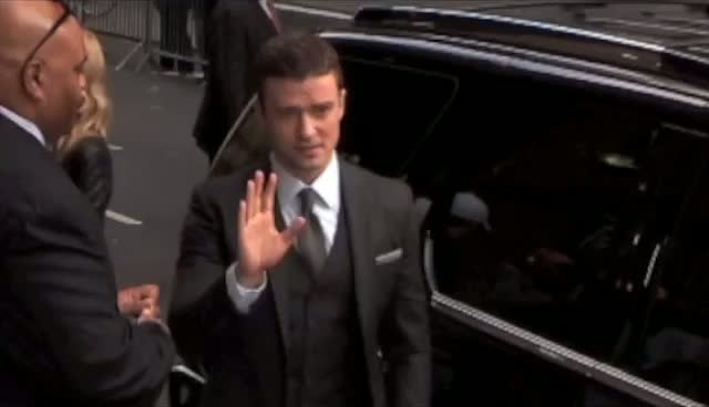 Justin Timberlake Leaves Photographers Fuming After...