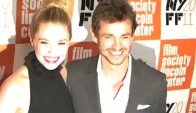 Hugh Dancy Makes Elizabeth Olsen Laugh - Martha Marcy May Marlene Arrivals Part 2