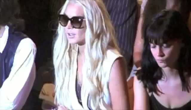 Lindsay Lohan Watching Fashion Show - Lindsay Lohan At New York Fashion Week Part 2