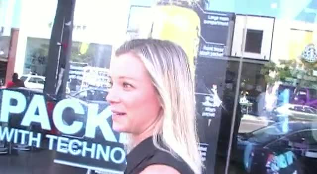 Amy Smart Thinks Two Sprays Is Enough