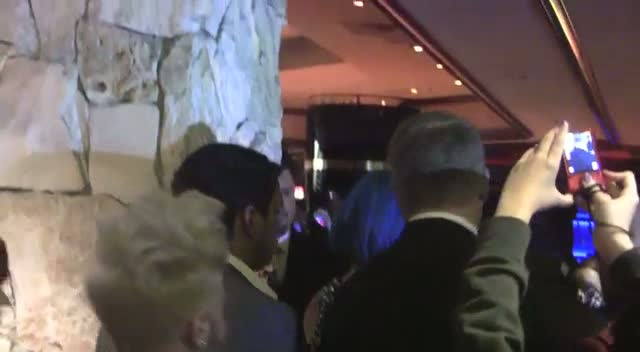 Paris Hilton Smokes In Las Vegas Casino
