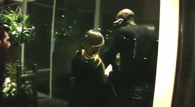 Khloe Kardashian Arrives At Dallas Hotel Without Sister Kim
