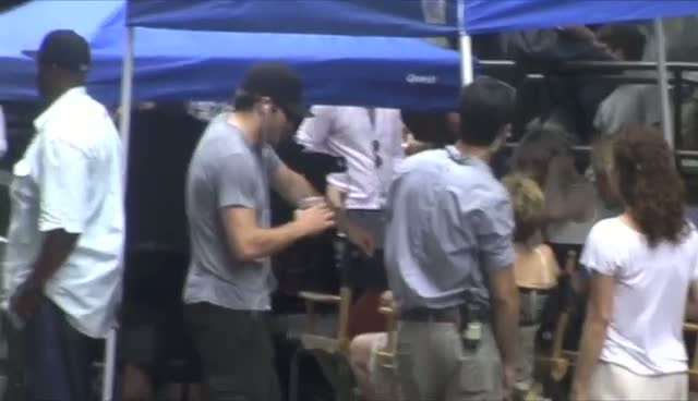 Jake Gyllenhaal And Dakota Fanning Taking A Break From Filming 'Very Good Girls'