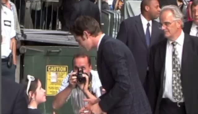 Andrew Garfield Kisses Fan As He Arrives For 'David Letterman'