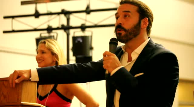 Jeremy Piven Teases Audience Member At Piven Theatre Workshop Gala Auction