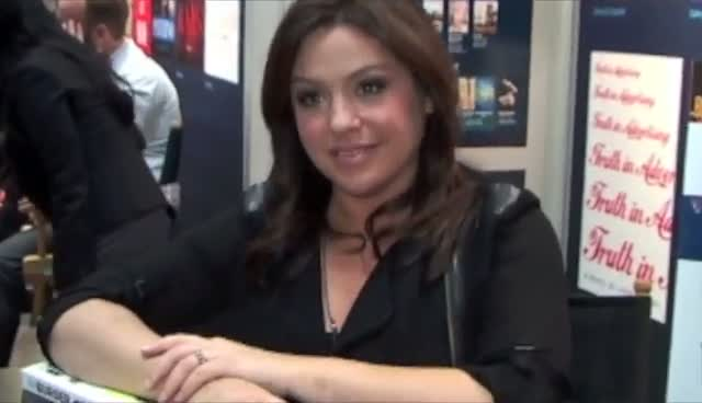 Rachael Ray Signing New Recipe Book 'The Book of Burger' At BEA