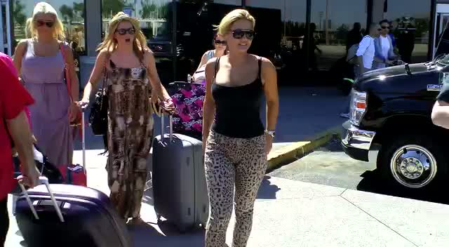 TOWIE Sisters Billie and Sam Faiers Cheer In Excitement On Arriving In Vegas - part 2