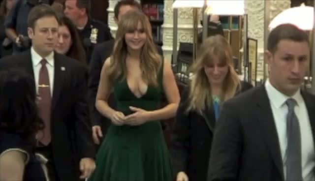 Jennifer Lawrence Towers Over Co-Star Josh Hutcherson At Hunger Games Signing