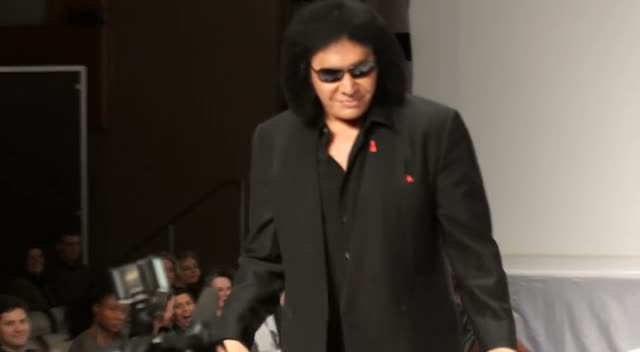 Gene Simmons Pokes Fun At Model Wife Shannon Tweed - The 5th Annual Heart Truth Fashion Show Part 3