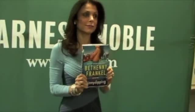 Bethenny Frankel Late To Book Signing Due To Wardrobe Malfunction