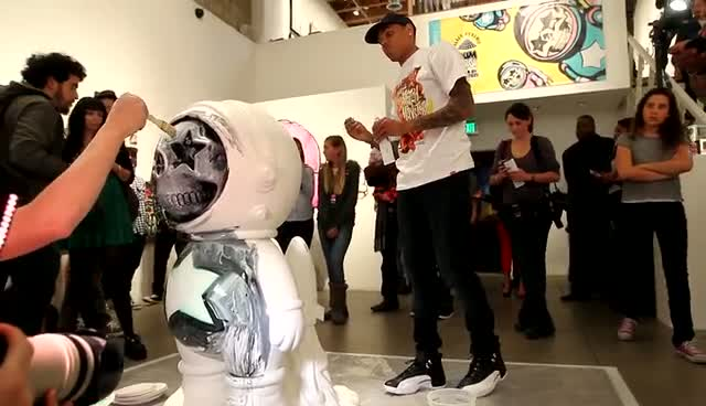 Chris Brown Touches Up Art Pieces At Art Show - Chris Brown's Art Show Part 3