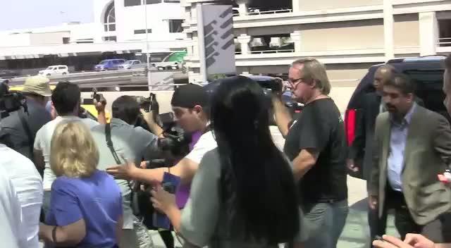 Kim Kardashian Blanks Photographers At LAX
