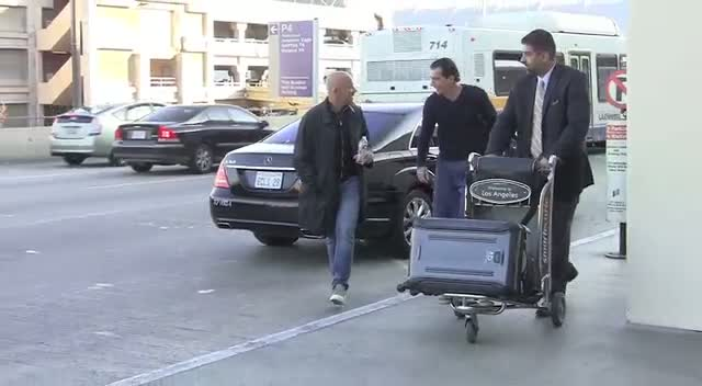 Antonio Banderas Checks In At LAX