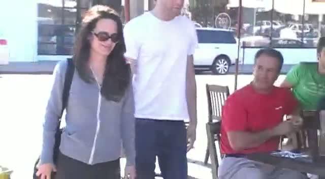 Justin Kirk And Elizabeth Reaser Talk Vampires On LA Trip