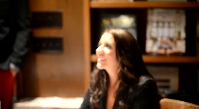 Justin Bieber's Mom Pattie Mallette Comforts Sobbing Fan At Book Signing - Part 3
