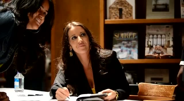 Justin Bieber's Mother Pattie Mallette Signs Her Book 'Nowhere but Up: The Story of Justin Bieber's Mom' - Part 1