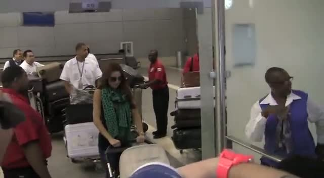 The Saturdays Arrive At LAX With Plenty Of Luggage For The Trip