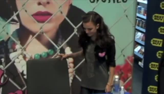 Cher Lloyd Shows Off Graffiti Jacket...