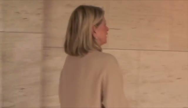 Sarah Jessica Parker Chats To Elle Magazine Head Honchos At FIT Couture Council Event
