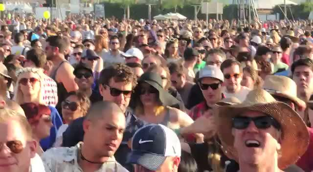 Diane Kruger And Joshua Jackson Dance To The Violent Femmes At Coachella 2013