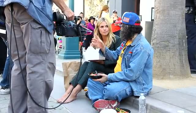 Heidi Klum Takes A Well-earned Lunch Break With Judah Friedlander In Santa Monica
