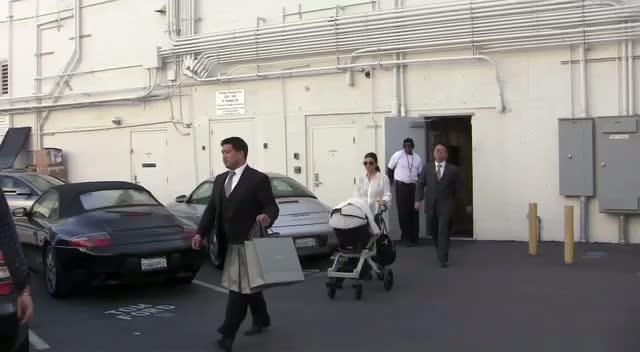 Kourtney Kardashian Goes Shopping In LA With Scott Disick And Baby Penelope