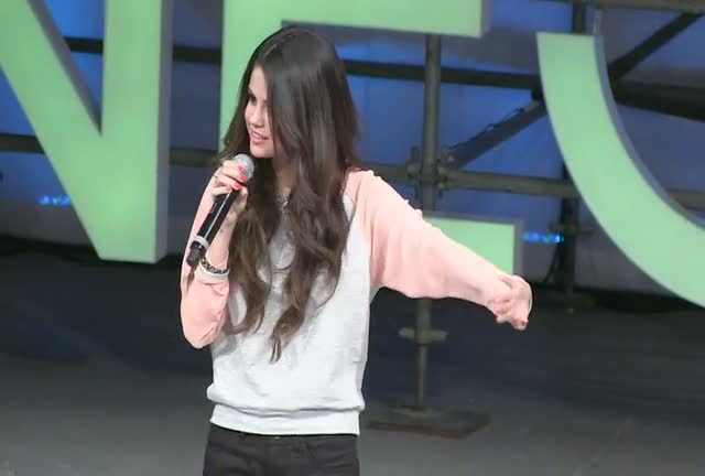 Selena Gomez Thanks Attendees And Organisers At Adidas NEO Launch