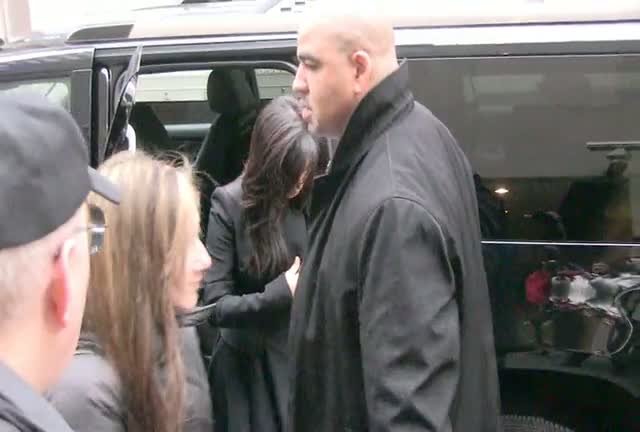 Pregnant Kim Kardashian And Her Sister Kourtney Arriving At The 'Today' Show