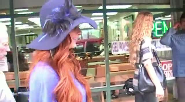 Phoebe Price Tells Paparazzi That She Wouldn't Marry An Old Man