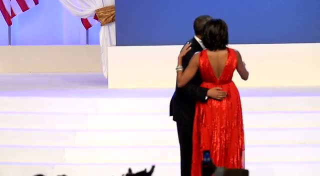 President Obama And First Lady Michelle Dance To Jennifer Hudson Performance