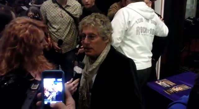 Roger Daltrey Is Quizzed By A Reporter At Fan Event Rock 'N' Roll Fantasy Camp