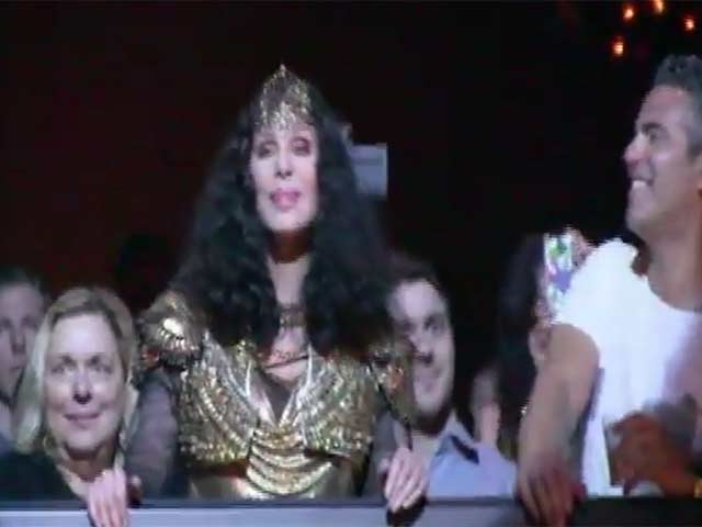 Cher Bops Along To Her Biggest Hits And Makes A Touching Speech At New York's Marquee Club